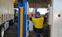 Truck And Bus Hoist Servicing